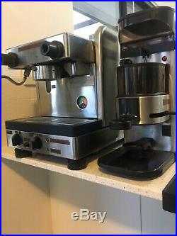 La Cimbali Junior One 1 Group Coffee Machine Tank Version + La Cimbali Grinder
