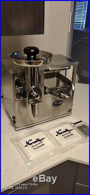 Norwalk 290 Juicer Excellent Condition / Barely Used